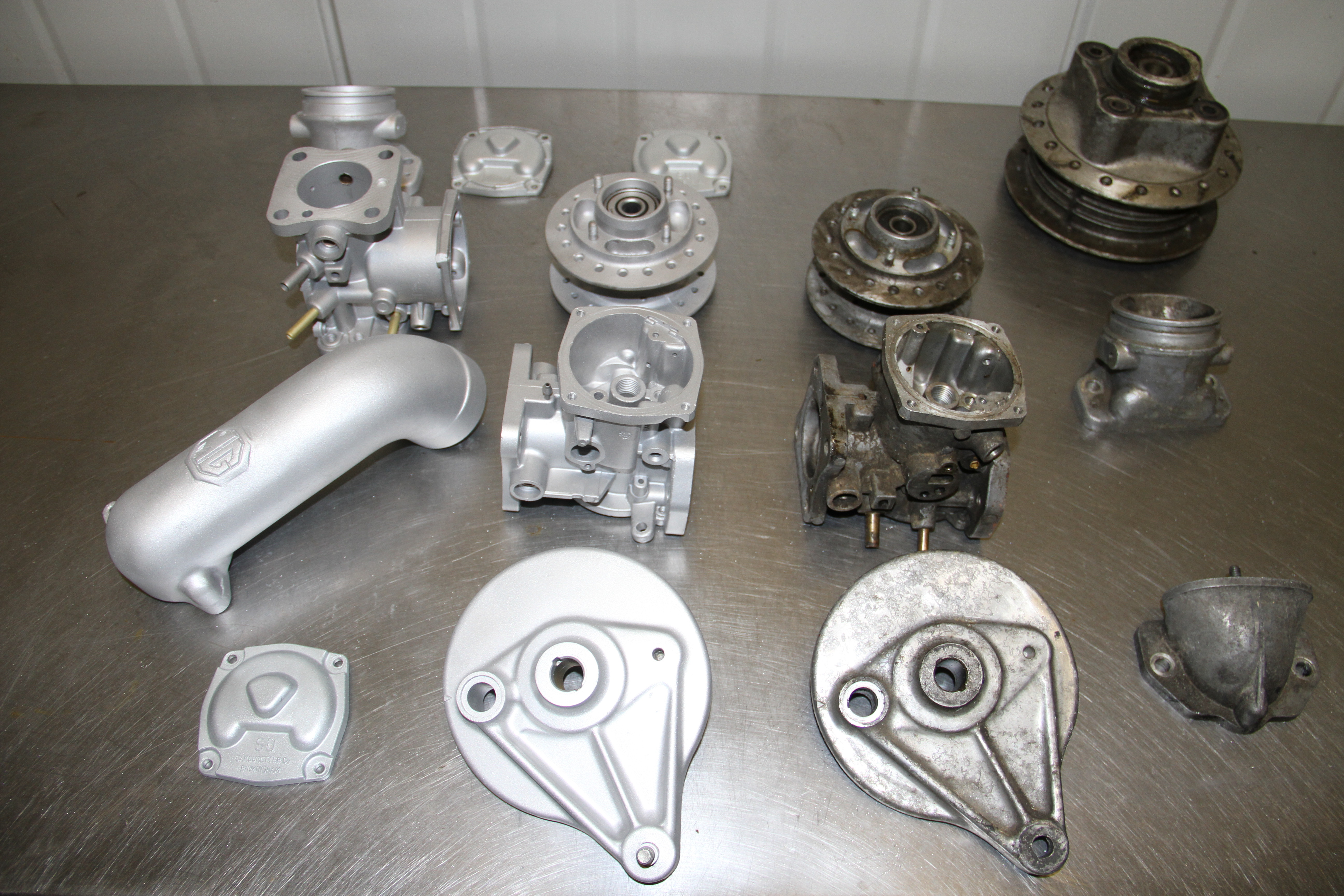 Vapour blasted engine parts